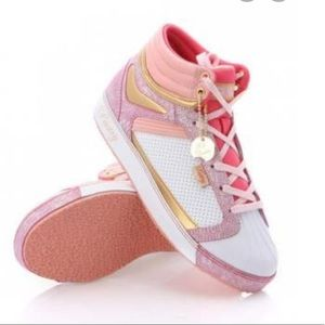Pastry sneakers in pretty pink white and gold sz 7